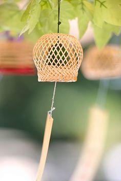 風鈴 | Fuurin | Japanese people often hang the wind chime at under the eaves during summer. The melody of the wind chime makes them feel cool.