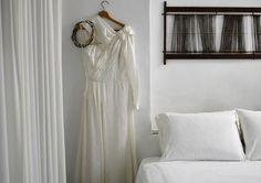 Less is more One Shoulder Wedding Dress, Wedding Dresses, Villa, Fashion, Moda, Bridal Dresses, Alon Livne Wedding Dresses, Fashion Styles, Weeding Dresses