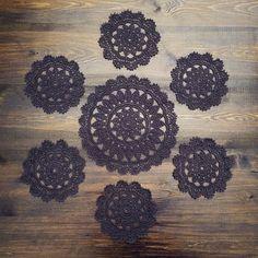 ПОДСТАВКИ ПОД ГОРЯЧЕЕ: 1 большая и 6 маленьких #салфетка #% #хлопок #cotton #crochet #instacrochet #knit #instaknit #instaknitting #knitting #vintage #винтаж #вяжу #anzhelaruban_вяжет #anzhelaruban_в_наличии #графит #комплект #подставкиподгорячее #подставки #вяжуназаказ #купитьсалфетку #купитьвязануюсалфетку #вязанаясалфетка by ruban.necviter