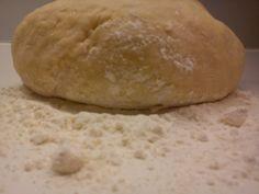 Πατατοπιτα νηστισιμη Συστατικα για ενα ταψι ζυμη 400γρ.αλευρι 1 κουτακι σοδα η 1 φλ.νερο 1 πρεζα αλατι 1 κ.σ. ξιδι ...