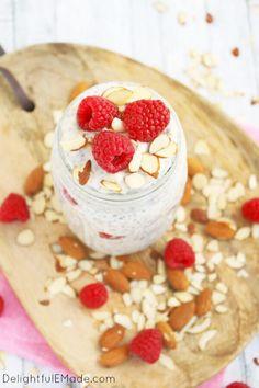 raspberry-almond-overnight-oats-recipe