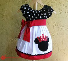 How adorable!!!!  Princess Minnie!!! Can't look at anything Disney with out thinking of Angela Howard!
