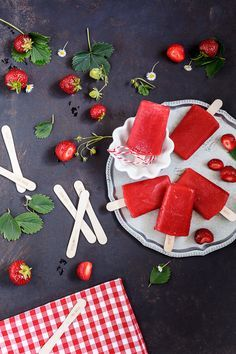 Amalie loves Denmark | Rezept für Erdbeereis am Stiel mit Nicolas Vahé Förmchen #ice-cream