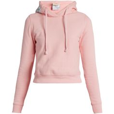 Vetements X Champion hooded cotton-blend sweatshirt (5.190 NOK) ❤ liked on Polyvore featuring tops, hoodies, sweatshirts, sweatshirt, outerwear, pink, hooded pullover sweatshirt, cropped hoodie, hooded sweatshirt and hooded pullover