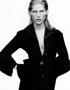 fashion editorials, shows, campaigns & more!: what's chic now: iselin steiro by daniel jackson for us harper's bazaar september 2013 Grey Fashion, Minimal Fashion, High Fashion, Minimal Style, Fall Fashion, Fashion Trends, Fashion Shoot, Editorial Fashion, Fashion Portraits