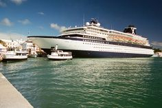 "Celebrity Horizon in Bermuda - 263-10a  Celebrity Cruises' ""Horizon"" (46,811grt - 1990) alongside Front Street, Hamilton, Bermuda in October 1995.   H..."