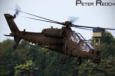 https://flic.kr/p/pr64no | Mongoose! | Agusta A129 Mangusta, the attack helicopter of the Italian Army display at AIR14.  Canon 7D Canon 100-400 L