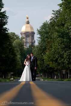 notre dame wedding photos - Google Search..This is the IDEAL wedding picture must!