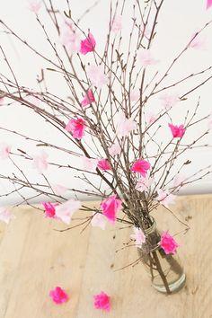 DIY-Anleitung: Strauß mit Kirschblüten basteln, Frühlingsdeko / DIY-tutorial: crafting bouquet of cherry blossoms, spring decor via DaWanda.com