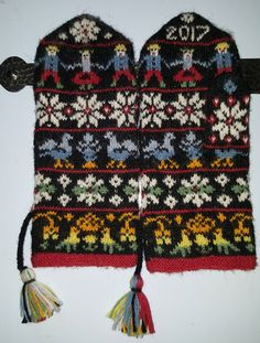 New crochet mittens pattern men fingerless mitts Ideas Crochet Mittens Pattern, Knit Mittens, Knitting Patterns, Knit Crochet, Crochet Hats, Fair Isle Knitting, Knitting Yarn, Crochet Braids Marley Hair, Wooly Hats