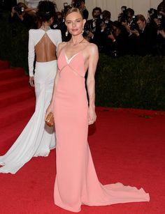 Kate Bosworth http://www.marie-claire.es/moda/tendencias/fotos/gala-met-2014-vestidos-en-la-alfombra-roja/kate-bosworth5