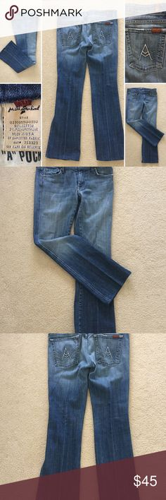 """🌍 7 for All Mankind Jeans. Sz. 31 LIKE NEW.  Beautiful partial wash denim.                            Waist:  31""""  Inseam:  31""""   Rise:  8"""" 7 for All Mankind Jeans Boot Cut"""