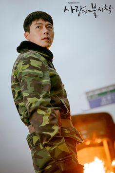 Crash Landing On You-Hyun Bin-Korean Drama-Subtitle Hyun Bin, Korean Star, Korean Men, Korean Actors, Korean Dramas, Jung Hyun, Kim Jung, Netflix, We Bare Bears Wallpapers