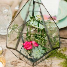 10 Creative Wedding Centerpiece Containers   Brit + Co