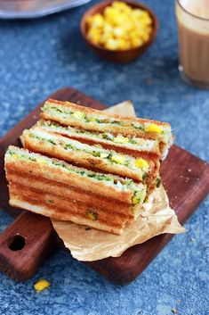 Spinach corn sandwich recipe with step by step photos. learn how to make grilled corn and spinach sandwich with cheese with this easy recipe Corn Sandwich, Grilled Sandwich, Sandwich Recipes, Baby Corn Recipes, Cream Cheese Corn, Cafe Coffee Day, Healthy Sandwiches, Veggie Dishes, Spinach