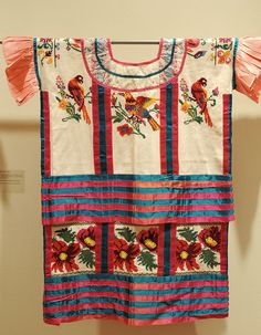 Hermoso huipil mazateco, Mexico  - for more on Mexico visit www.mainlymexican.com # Mexico #Mexican #textile