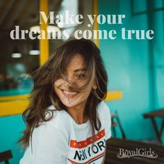 ☁️Cu noi visele devin realitate!☁️ Suna si convinge-te! 0765 56 56 56 #dreamjob #royalgirls #models Angajari videochat!