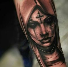 Seleção das melhores tatuagens de Catrinas para inspirar tanto homens como mulheres. Desenhos de Catrinas feitos com sombreados preto e branco, coloridos e realistas. Entre aqui e escolha a tattoo ideal para você!