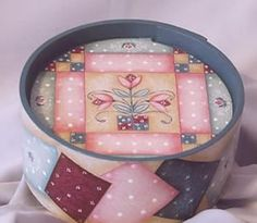 Quilt Pieces Inside-Out Round Box by Julie Polderdyke http://www.hofcraft.com/ptpj106-quilt-pieces-bentwood-box-julie-polderdyke.html