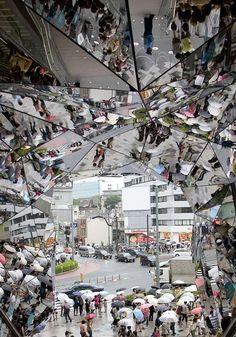 Mind-Bending Mirror Entranceways : Tokyu Plaza Omotesando Harajuku