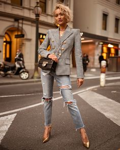 Fashion jeans 9 of the best jeans models of the new season Fashion Sale, Look Fashion, Winter Fashion, Fashion Outfits, Womens Fashion, Parisian Fashion, Bohemian Fashion, Cheap Fashion, Fashion Clothes