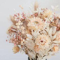 Dried Flower Bouquet, Flower Bouquet Wedding, Dried Flowers, Light Pink Bouquet, Dusty Rose Wedding, Floral Wedding, Fleurs Diy, Dried Flower Arrangements, Deco Floral