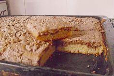 Nusskuchen auf dem Blech mit Nussbaiser (Rezept mit Bild) | Chefkoch.de