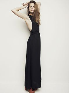 Hubert sleeveless all black maxi dress Layering Outfits, Classy And Fabulous, Fashion Dresses, Maxi Dresses, Simple Dresses, Minimalist Fashion, Her Style, Pretty Outfits, Spring Summer Fashion