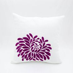 White Purple Pillow cover which made from white linen and embroidered with bold dahlia flower in deep purple stitches.  This pillow cover has hidden zipper at the bottom side and it is available in size 16 x 16, size 18 x 18, size 20 x 20, size 24 x 24 and size 26 x 26. Choose the size you need by using the Size drop down menus.  This listing is for pillow cover only without filler.  This pillow cover is MADE TO ORDER. Please allow up to 2 WEEKS from the time you place your order for…
