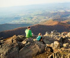 Follow our day-by-day plan to ditch the screens and enjoy a scenic family road trip through Shenandoah and Skyline Drive in Virginia. #nationalparks