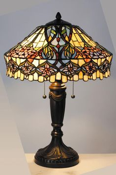 Cordless Table Lamps – A Brilliant Solution - - Tiffany Lamps — I want one soooo bad! Tiffany Stained Glass, Stained Glass Lamps, Tiffany Glass, Leaded Glass, Stained Glass Windows, Mosaic Glass, Tiffany Art, Glass Art, Antique Lamps