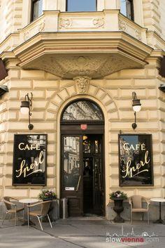 #CafeSperl in #Vienna, #Austria Strange Cars, Slow Travel, Vienna Austria, Travelogue, Cafe Restaurant, Switzerland, Places To See, Restaurants, Germany