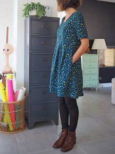 In the winter, to change jeans or slim black, I like to wear flowing dresses on opaque tights, all of which makes it easy to … Source by Sewing Patterns Free, Free Pattern, Diy Vetement, Bohemian Mode, Fall Sweaters, Winter Dresses, Dress Winter, Mode Style, Sewing Clothes