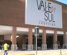 Vale Sul shopping - Opened in November 1994 with the concept facing Outlet Center, the project evolved with the agility and dynamism, following the Brazilian retail sector.  Address: AV. ANDRÔMEDA, 227  JARDIM SATÉLITE  SÃO JOSÉ DOS CAMPOS - SP  CEP 12230-000  Trading Hours: Sunday 13h-21h  Monday to Saturday 10h-22h  Food Court: 10h-22h  http://www.valesulshopping.com.br/