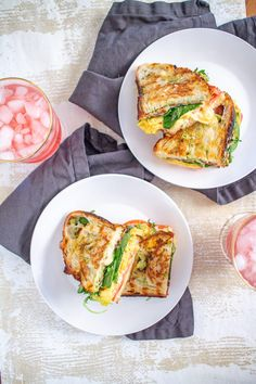 Scrambled Egg Grilled Cheese 6 Grilled Cheese Avocado, Grilled Cheese Recipes, Mashed Avocado, Grill Breakfast, Breakfast Sandwich Recipes, Best Scrambled Eggs, Egg Grill, Egg Sandwiches, Grilling