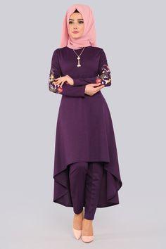 Bayram Special Hijab Dress Combinations www. Beautiful Dress Designs, Stylish Dress Designs, Stylish Dresses, Modest Fashion Hijab, Muslim Fashion, Fashion Dresses, Sleeves Designs For Dresses, Dress Neck Designs, Kerala Engagement Dress