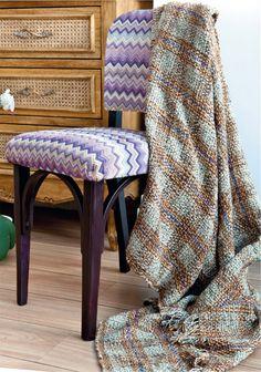 Cadeira restaurada com artesanato