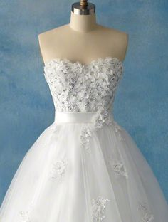 View Dress - Disney Alfred Angelo Collection - 207 Snow White 2011 | AlfredAngeloDisney Bridal | Bridal Shops Toronto Wedding | Evening Dresses Bridal Gowns