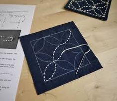 Japanese Embroidery Sashiko You, too, can sashiko! Hand Embroidery Patterns Flowers, Embroidery Scissors, Hand Embroidery Designs, Cross Stitch Embroidery, Art Patterns, Flower Embroidery, Embroidered Flowers, Eco Deco, Shashiko Embroidery