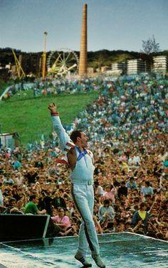 Una de las últimas actuaciones de Freddy Mercury (Queen) en la también desaparecida Plaza del Gas, durante la celebración de la Aste Nagusia de Bilbo, el 21 de agosto de 1991.