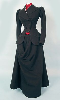 Um, yes.  Perfect.  As if I could ever squeeze any part of my body into this.... (Riding habit, 1895)