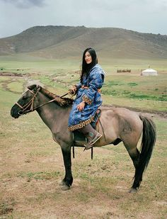 daraartisans:  STYLE  Nomads + Luxuries Mongolia photographed by Frédéric Lagrange for HERMES