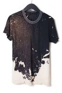 Simpel og kontrastfuld T-shirt. Genial, og kan overføres i så mange… Look Fashion, Mens Fashion, Unisex Fashion, Fashion Black, Street Fashion, Mode Ootd, Do It Yourself Fashion, Mode Style, Look Cool