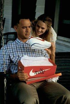 Forrest Gump Kostüm, Forrest Gump Shoes, Nike Cortez Forrest Gump, Tom Hanks Forrest Gump, Iconic Movies, Good Movies, Tom Hanks Movies, Romantic Movie Quotes, I Love Cinema