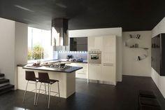 Accostamento di una cucina di colore beige al marone scuro