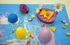 * Eggy Art: Painting and 3D Collage with Foam Eggs * Great easter craft idea for kids #pintorials