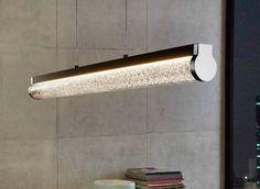 A iluminação arrojada pode ser logo um elemento decorativo a definir o estilo da sua divisão. Venha conhecer todos os candeeiros de que dispomos.