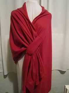 Home Living: Easy to Make: Fleece Shawls. A great website with simple instructions to make this pretty shawl for less than $6 with warm fleece.
