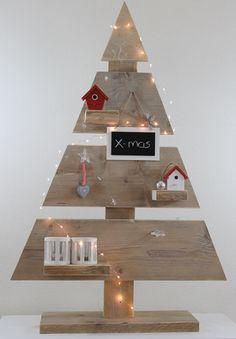 Handmade steigerhouten kerstboom van 108 cm hoog. Ook leuk op dressoir of houten kist. Nu bij Decoborden.nl
