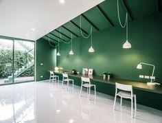 綠色牆面、空間簡潔的辦公室設計 | MyDesy 淘靈感